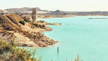 Fietsen langs mooie wateren - Van Dam Estates