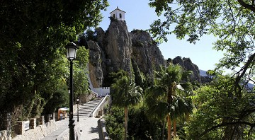 And from the rocks rose the village of Guadalest - Van Dam Estates