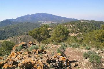 Wandelen in de heuvels achter de costas - Van Dam Estates