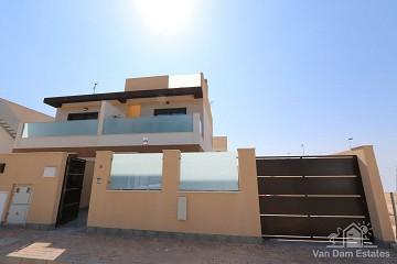 Schitterende villa met privézwembad in San Pedro del Pinatar - Van Dam Estates