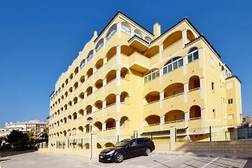 Sfeervol appartement met riant balkon in Torrevieja - Van Dam Estates